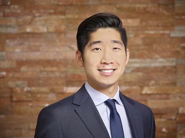 Edmonton Lawyer - Derrick Hwang - EdmontonLaw.ca